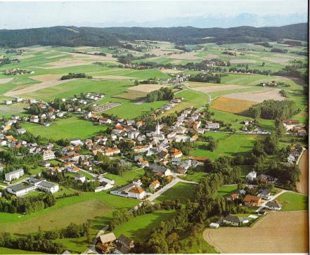 Eberschwang-Ansicht vom Flugzeug-JPEG 2000