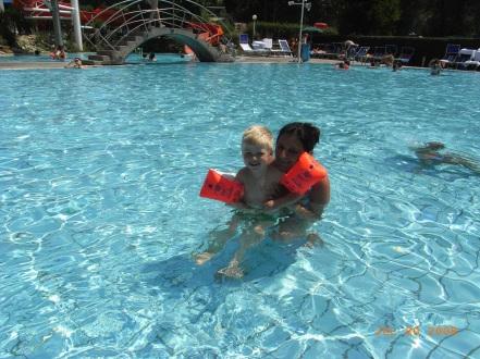 Schwimmen mit Oma in Bad Radkersburg, das macht Spaß!
